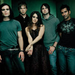 Urmariti noul videoclip Flyleaf, Beautiful Bride