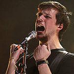 Solistul White Lies are probleme de sanatate, patru concerte au fost deja anulate