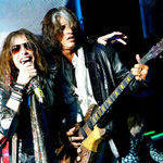 Steven Tyler ii striga lui Joe Perry: Nu plec din Aerosmith! (video)