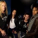 Urmariti-i pe Alice In Chains cantand piesa Check My Brain LIVE (Video)