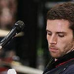 Proiectul basistului Coldplay isi face debutul pe piata